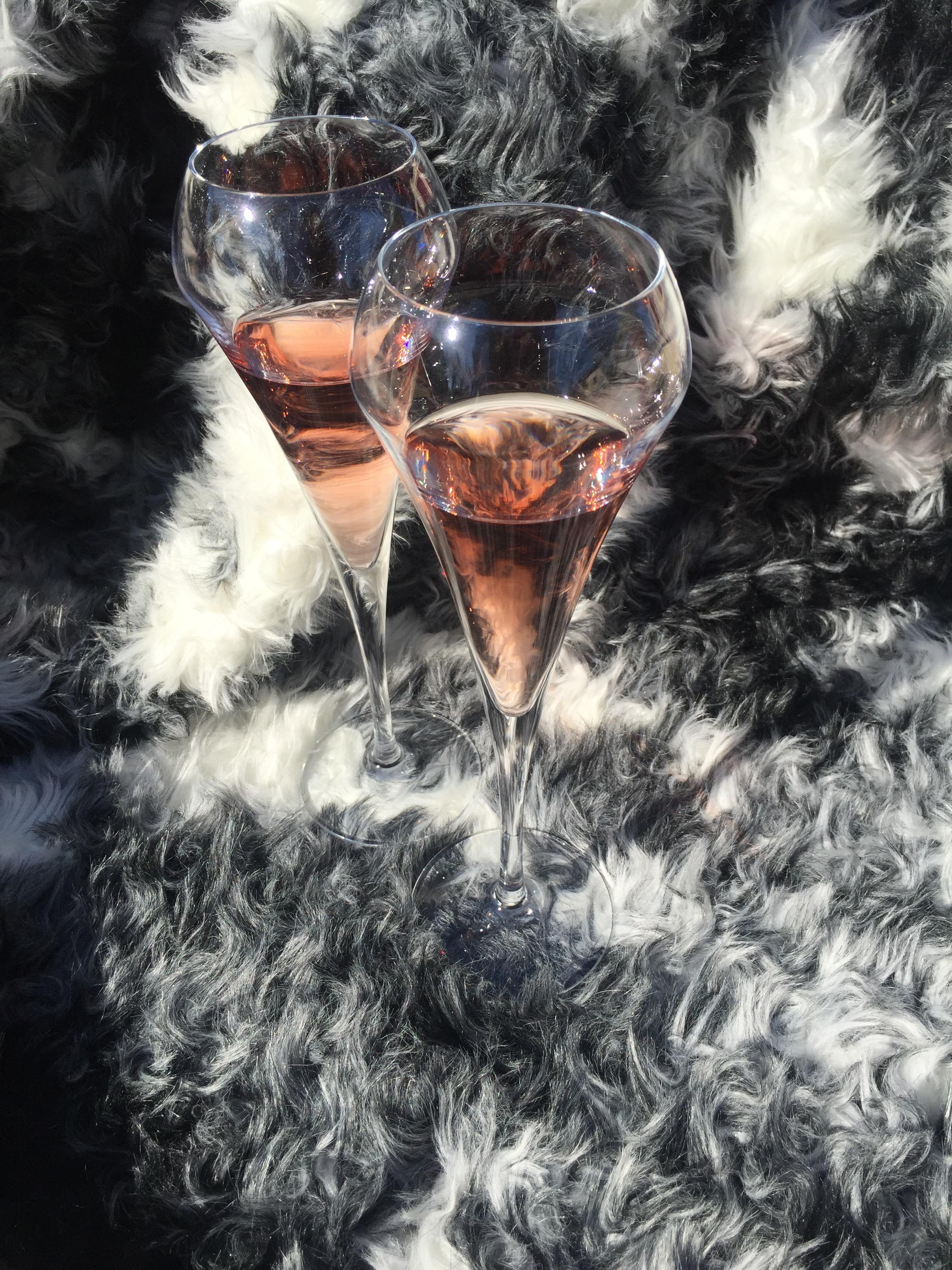 perle de Garbes rosé dans coupes à champagne