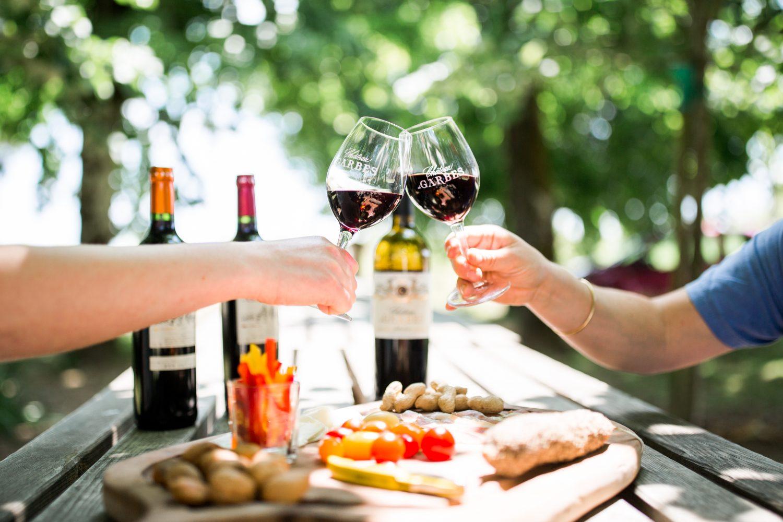 Château de Garbes - Grand vins de Bordeaux - Viticulteur récoltant  - Dégustation de vin rouge au château